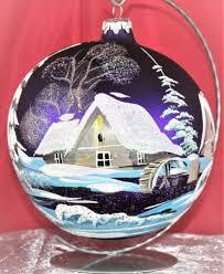 Christbaumkugel Aus Glas In Lila Mit Schöner Winterlandschaft 15 Cm Durchmesser