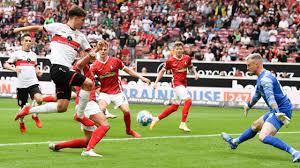 The club's football team is currently part of germany's first division, the bundesliga. Mislintat Moglich Dass Noch Etwas Passiert Vfb In Der Sturmer Klemme Bundesliga Bild De