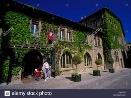 People Tourists Hotel De La Cite Rooms And Lodging Stock Photo