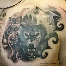 татуировка на груди волчья стая тату сделана тремя сеансами
