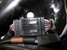 install harley chopped fender light harley davidson forums take the wire connectors that came thekit and install the wires from the light into the quick disconnect hold the quick disconnect up to the female