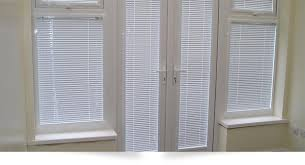 Perfect Fit Vs IntuBlinds Fitted To Window Frame