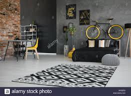 Schlafzimmer Einrichten Mit Schwarzem Bett Kleine Schlafzimmer