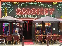 holland coffee shops tourist