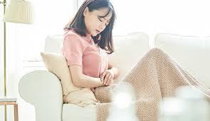 毎月やってくる憂鬱な生理痛。快適に過ごすためのセルフケア7選|着ごこち+プラス|GUNZE(グンゼ)