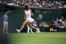 Теннис ставка против подающего