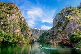 Der staat wurde 1991 als republik mazedonien im folge des zerfalls jugoslawiens aus der südlichste teilrepublik des sozialistischen jugoslawiens bei der nato und in einigen anderen kontexten wurde das dreibuchstabenkürzel fyr macedonia benutzt.9. Geheimtipp Nordmazedonien Was Es Zu Entdecken Gibt Urlaubsguru