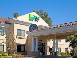 Hotels near Six Flags <b>Magic</b> Mountain | Holiday Inn Express ...
