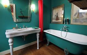 how much does it cost to paint a bathroom in colorado springs