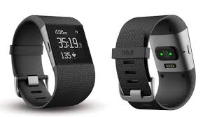 new fitbit surge wrist heart rate detection auto uploads to the fitbit surge uses leds to measure heart rate out a chest strap