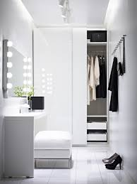 Dresser room design Modern Homedit How To Turn Small Bedroom Into Dressing Room