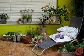 Idee Per Abbellire Il Giardino : Racconti per immagini idee decorare il terrazzo estivo