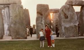 Find out about the history of stonehenge in this bbc bitesize ks2 history guide. English Heritage Seeks Stonehenge Holiday Snaps For Digital Album Uk News The Guardian
