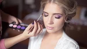Comment Bien Choisir Votre Maquillage Et Votre Coiffure De