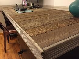 reclaimed wood pallet desk by prettypurpledoor com