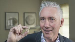 BBC Radio 2 - The Chris Evans Breakfast Show, David Dimbleby and new £1  coin, Gordon Summers the Royal Mint's Chief Engraver on the new £1 coin.