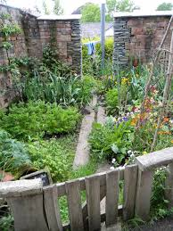 Walled Kitchen Gardens Edible Landscaping Kitchen Garden Jardin Potager Bauerngarten