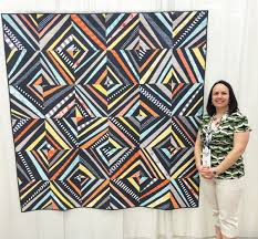 Quiltcon 2015 – Christa Quilts & spiraling-at-QuiltCon Adamdwight.com