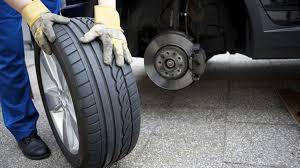 Kết quả hình ảnh cho nổ lốp xe ô tô