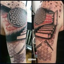 фото татуировки фрагмент рукава по своему эскизу в стиле графика