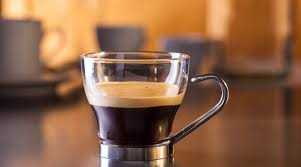 A normal serving of espresso takes from 18 to 30 seconds to pull, and fills 25 to 60 millilitres, while a lungo may take up to a minute to pull, and might fill 130 to 170 millilitres. What Is A Lungo The Long Espresso Cozycoffeecup Com