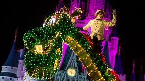 Electric Light Parade Disneyland The Main Street Electrical Parade Leaves Disneyland Tonight