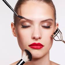 the right way to wear makeup