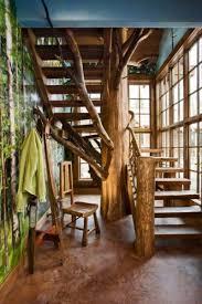 Beautiful Un Escalier Splendide Autour Du0027un Tronc Du0027arbre. Une Déco Naturelle Et  Originale.
