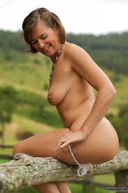 Wifes outdoor nude pics