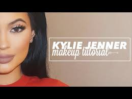 recreate this beautiful kylie jenner soft glam makeup look