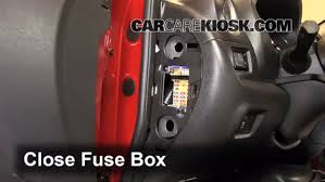 interior fuse box location 2012 2016 nissan versa 2013 nissan 2013 nissan sentra cigarette lighter fuse at Nissan Sentra 2013 Fuse Box