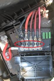 vw beetle fuse box the alternator and compressor after i cables you need to make sure that you have a charged battery and that all conections are good okay so these are your main fuses