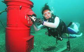 The-worlds-deepest-underwater-postbox-the-name-is-also-recorded-in-the-Guinness-Book