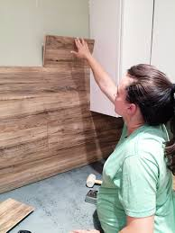 Pallet Wood Backsplash Laminate Flooring Backsplash It Looks Like Wood Laminate