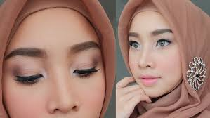 soft natural graduation makeup make up wisuda sekolah kuliah irna dewi make up lova