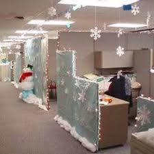 Office decoration christmas Award Winning Christmas In Your Office Pinterest 26 Best Christmas Office Decor Images Xmas Office Christmas
