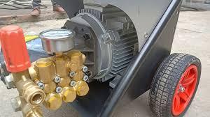 Máy rửa xe áp lực Urali đầu bơm Italia 2019 - YouTube