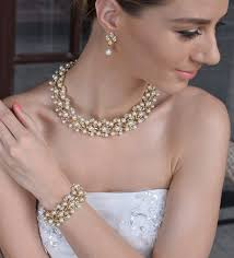 Should Bridal Jewelry Have To Match Others Wedding Accessories