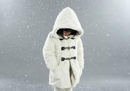 a lili gaufrette é veterana aqui do blog o que são estes casacos os detalhes nos acessórios e malhas as botas de neve sucesso total na pitti