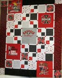 Little Blip: T-Shirt Quilt with uneven squares. Easy math is her ... & Bonnie's UGA quilt - this is a great pattern using just 5 t-shirts --