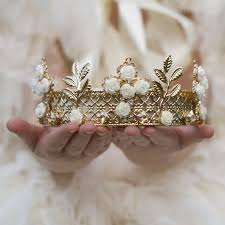 Tiara Design Ideas This Lovely Half Crown Tiara Is Adorned With A Gold Design