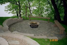 inspiration garden patio ideas  images about outdoor paver ideas on pinterest patio backyards and dri