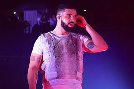 Drake Surfaces Stage Underage On Girl Kissing Video Of p40qv