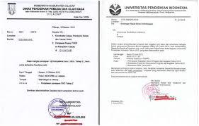 Contoh surat undangan resmi dapat digunakan agar surat undangan yang kamu buat sesuai dengan berikut kami berikan contoh surat undangan resmi yang bisa dijadikan referensi dalam stempel dan tanda tangan menjadi bukti kuat bahwa surat undangan berasal dari pihak resmi yang. Pengertian Surat Dinas Fungsi Ciri Syarat Bagian Contoh