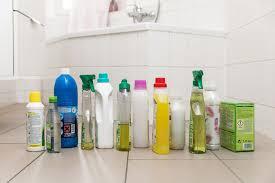 Wer kein vertrauen in tabs oder selbst angerührte reinigungsmittel hat, kann auch versuchen, herkömmliche putzmittel. Umweltfreundlicher Putzen Nabu