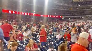 Baseball fans scramble after shooting ...