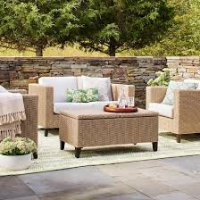 target white wicker patio furniture