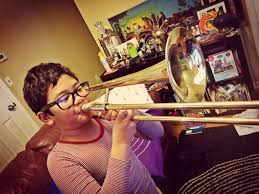 Alat musik ini juga masuk dalam kategori alat musik tiup dari kayu, sama halnya dengan klarinet dan obo. My Purple World Bo S Winter Concert