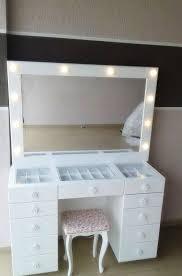 makeup dresser