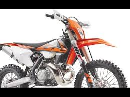 2018 ktm fuel injected. contemporary fuel 2018 new ktm 250exc tpi u0026 300exc 2stroke fuel injected studio details  action first photos for ktm fuel injected d